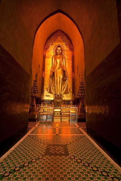 Archeological site of Bagan - Myanmar | Burma - Ananda Pahto buit between 1190 and 1105.