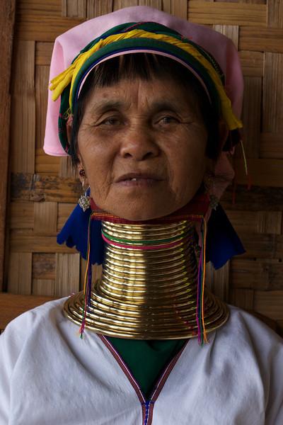 INLE LAKE. LONG NECK LADY. PADUANG TRIBE. MYANMAR | BURMA.