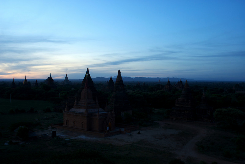 Archeological site of Bagan - Myanmar | Burma. Sunrise at Mingalazedi Paya. 12-07-2009.