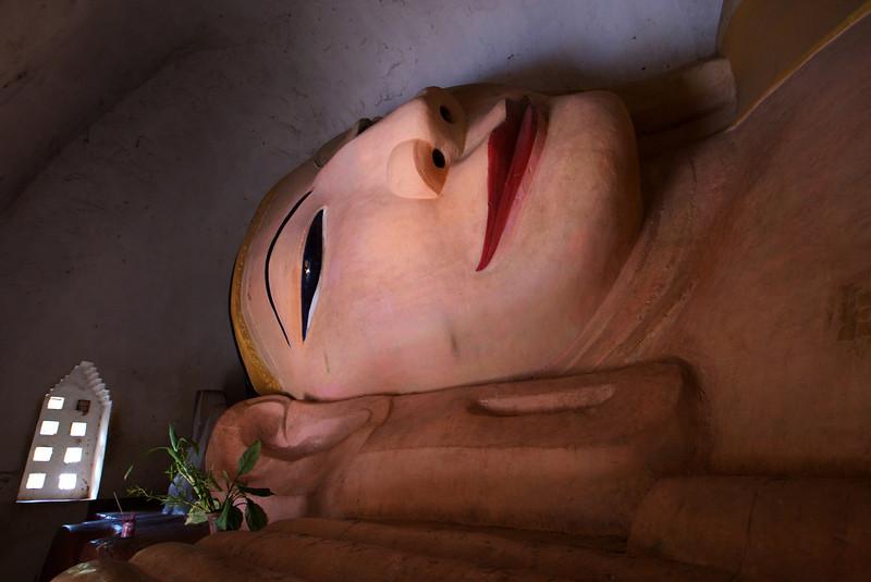DECLINING BUDDHA. MANUHA PAYA - BAGAN. MYANMAR | BURMA.