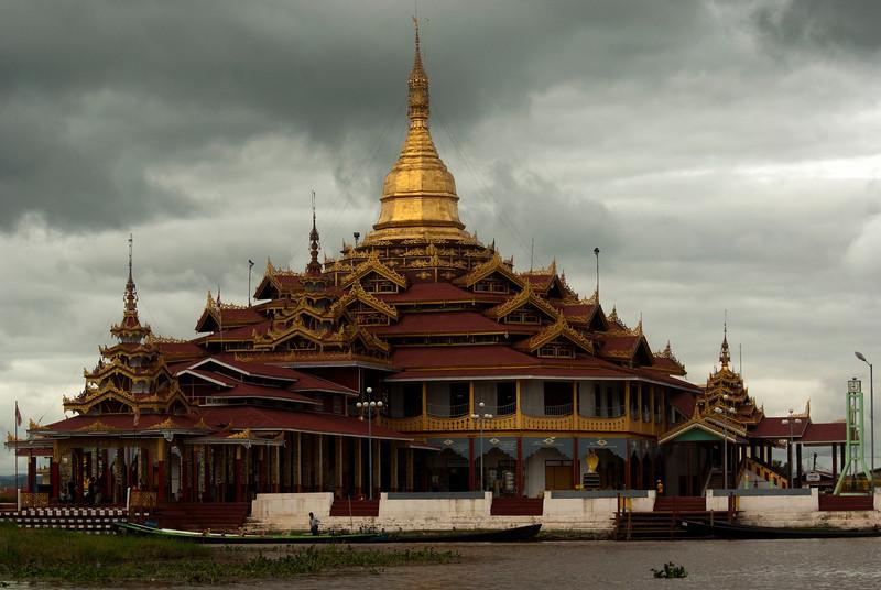 INLE LAKE. MONASTERY. BURMA. MYANMAR.
