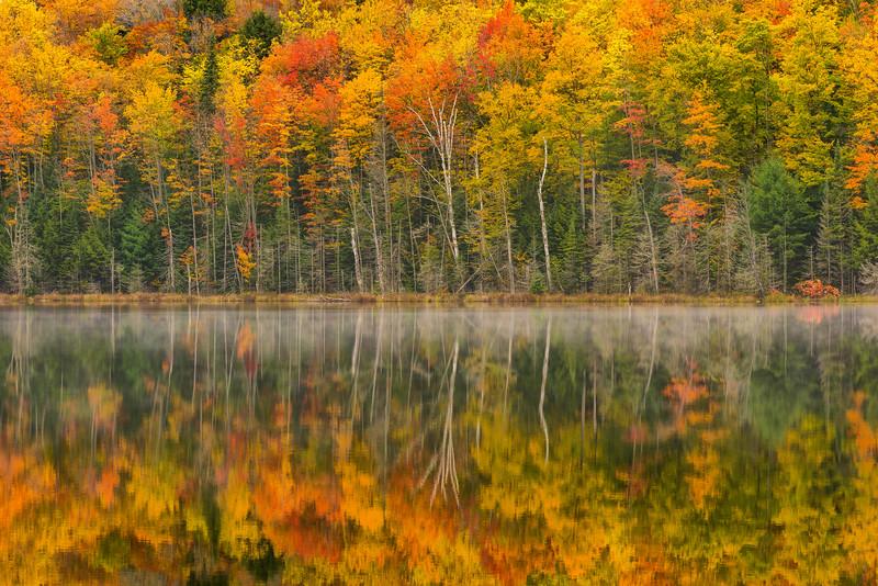 Ultimate_Autumn-MI-UP-Dawn-Lake-Reflections_161014_0375