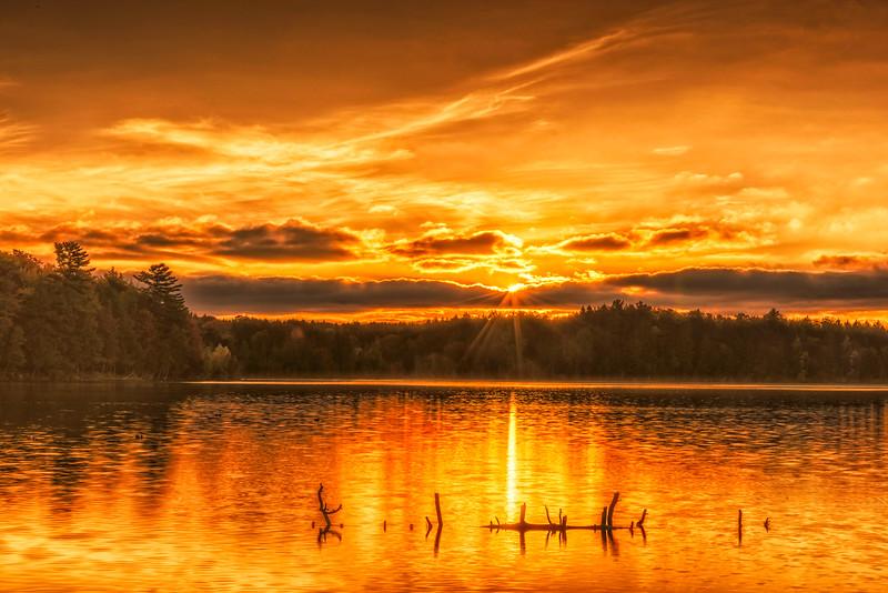 Sunrise-Lake_Superior_Fall_Color_0098