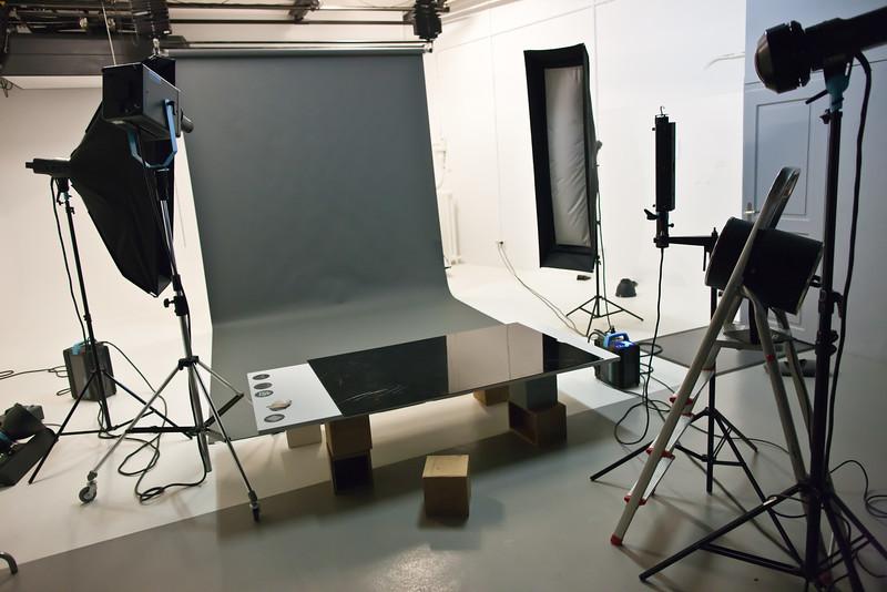 UV flash set (two softboxes, lighstick, UV flash, gobo flash projector, windmachine)