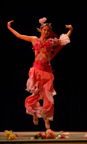 "Ya Ting Lu dancing ""Little Fish"", Chinese New Year 2009"