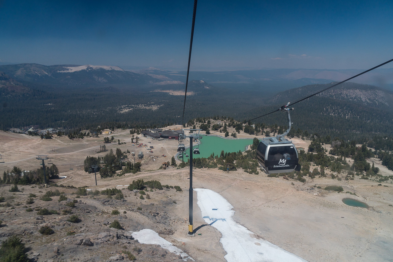 The gondola going up Mammoth Mountain