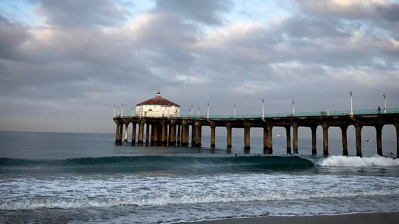 Manhattan Beach Photographer - Dawn Waves