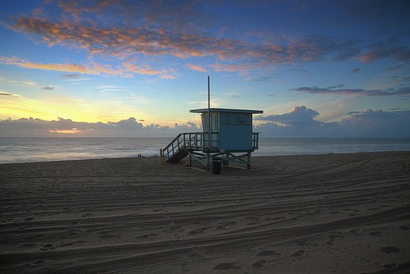 Manhattan Beach photographer - lifeguard station