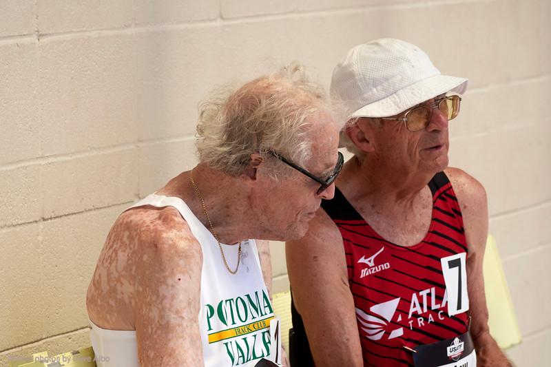 800 meters final Dixon Hemphill and friend