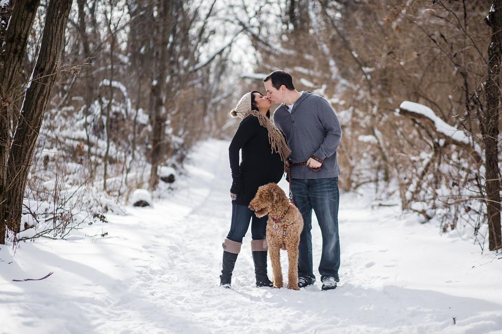 Outdoor Winter Maternity Photos