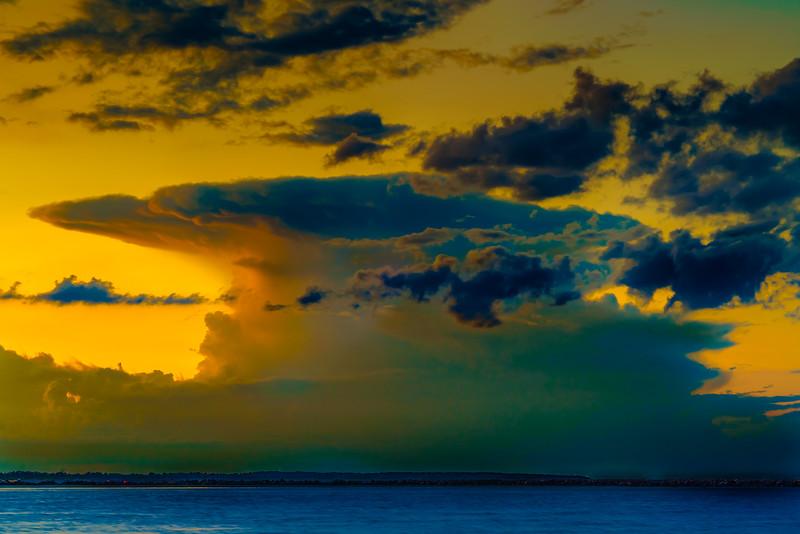 Golden Hour Anvil Cloud