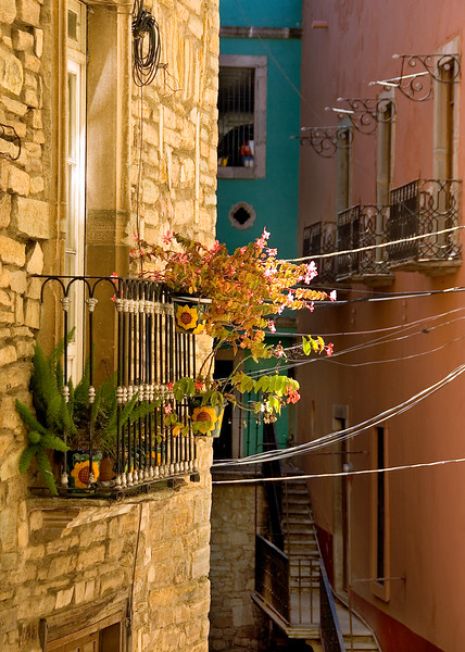 Balconies, stairs and electric wires, Guanajuato