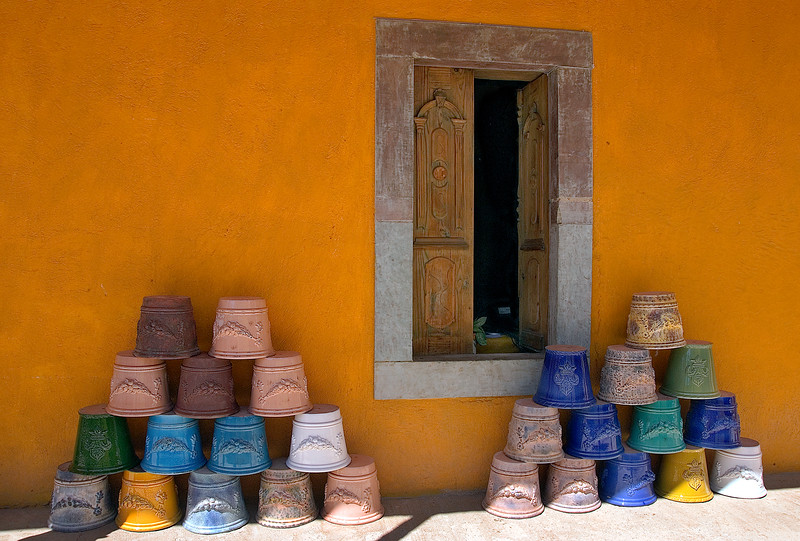 Display outside ceramic store near Guanajuato, Mexico
