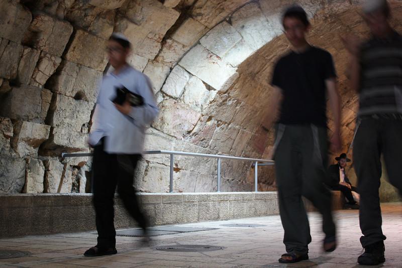 Jerusalem, tunnel near the Kotel. (July 2009) © Copyrights Michel Botman Photography