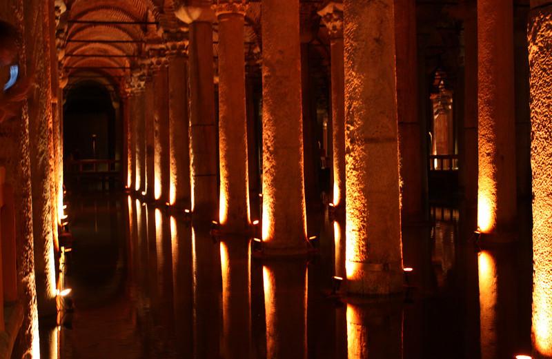 Istanbul, underground cistern. (June 2009) © Copyrights Michel Botman Photography