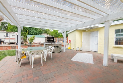 DSC_3402_patio