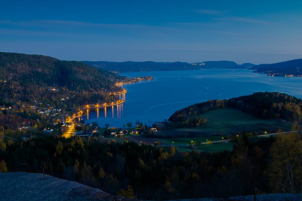 Twilight hour in Hyggen by Drammensfjorden