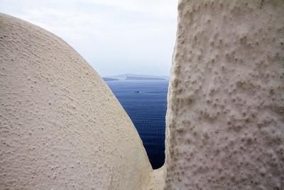 Oia Santorini V-peak