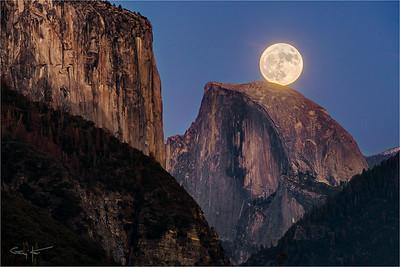 Supermoon, El Capitan and Half Dome, Yosemite