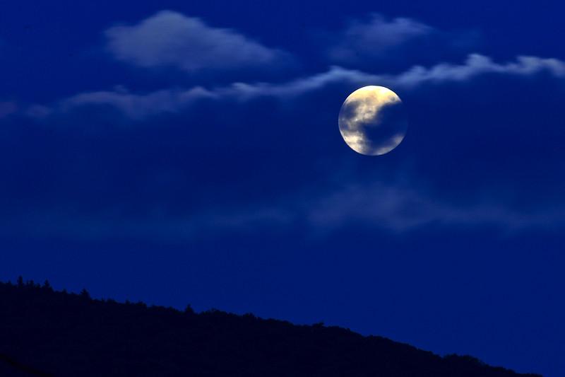 moon-2013-004