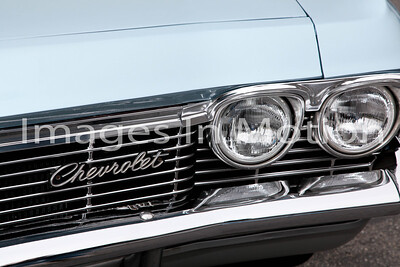 Some of my favorite shots are of old cars. Who doesn't love all that chrome!!!