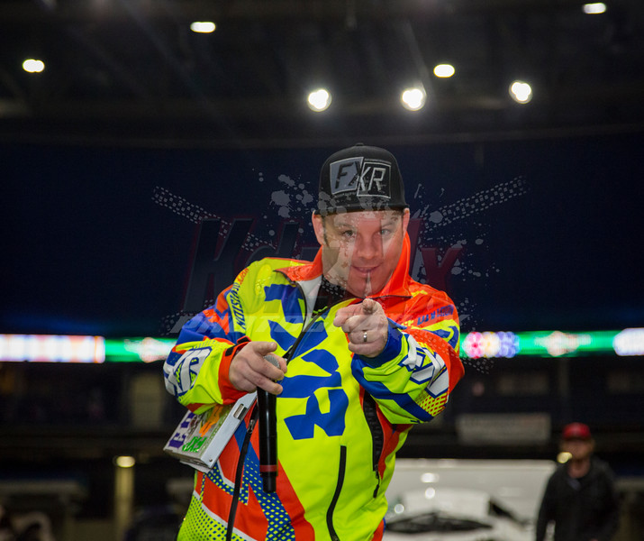 eric foster FXR pointing