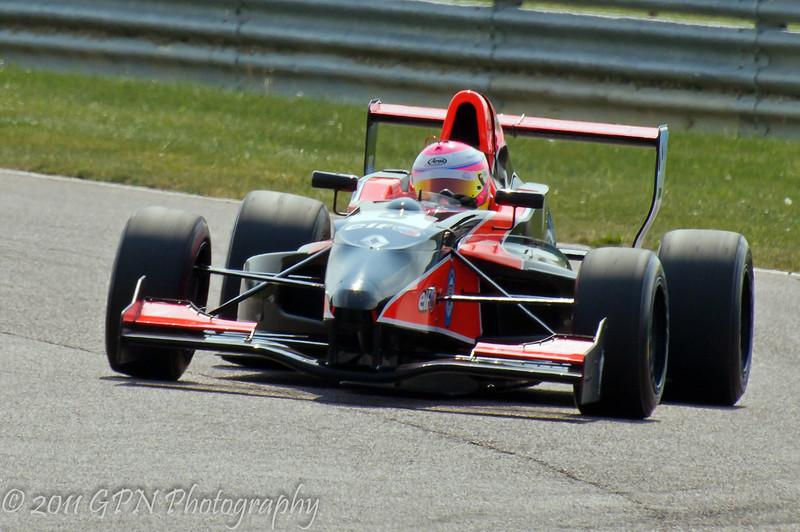 Alice Powell - Formula Renault 2.0 UK Championship