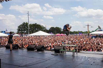 Flyleaf rockin' the stage