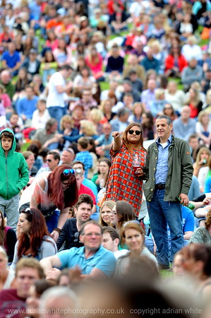 Paulo Nutini crowds in Singleton Park