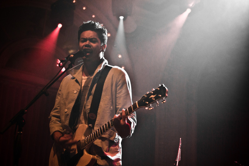 December to Remember 2010 The Temper Trap with A Silent Film