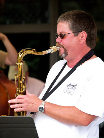 Tenor Saxophonist Doug Horn fronts his quartet.