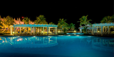 The pool at our hotel was lit up really nicely at night and made for some great photos. I liked this panoramic shot of the pool.