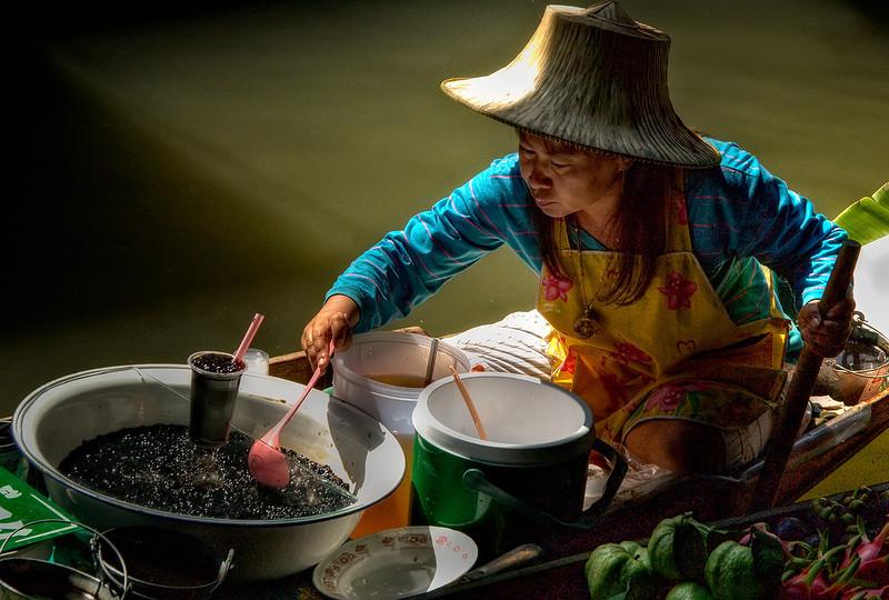 Floating Market, Damnernsaduak, Thailand