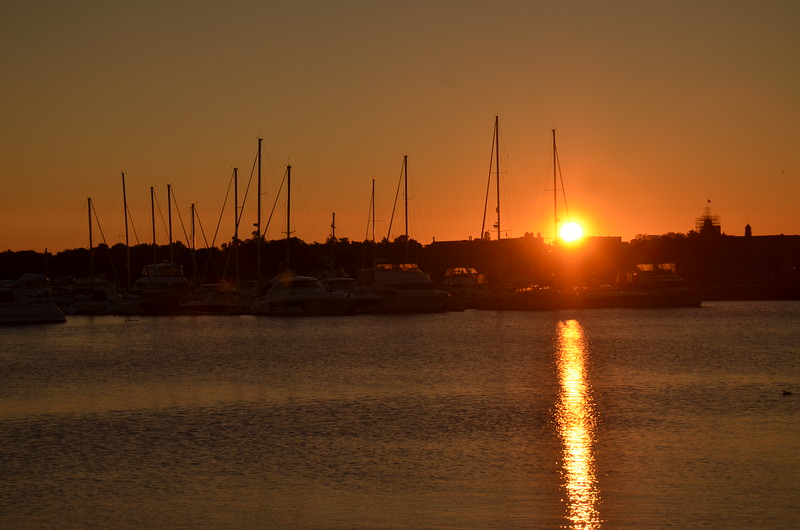 Sunrise in the Harbour