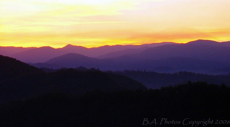 Just before sunrise on the Foothills Parkway, Smoky Mountains National Park.
