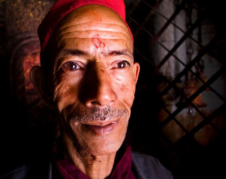 MONK. NYATAPOLA TEMPLE. BHAKTAPUR. KATHMANDU VALLEY. NEPAL.