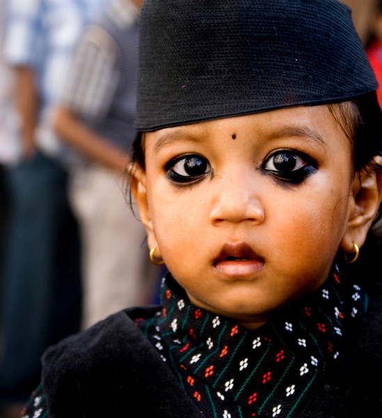 KATHMANDU GIRL. DURBAR SQUARE. KATHMANDU. NEPAL.