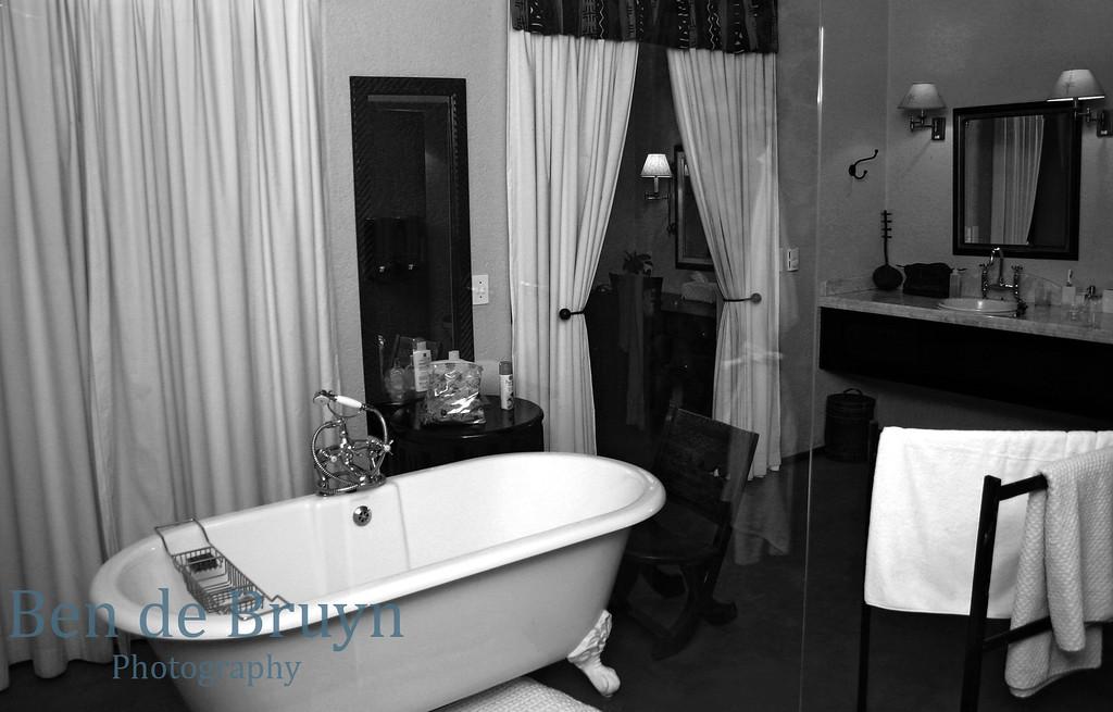 June 2006 Dulini room 2