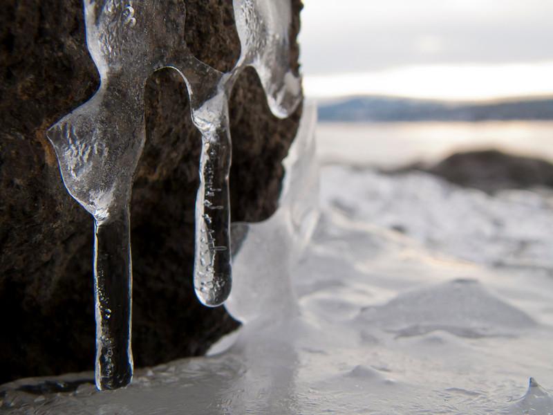LakeTahoe_Ice_Rock 12_10 16