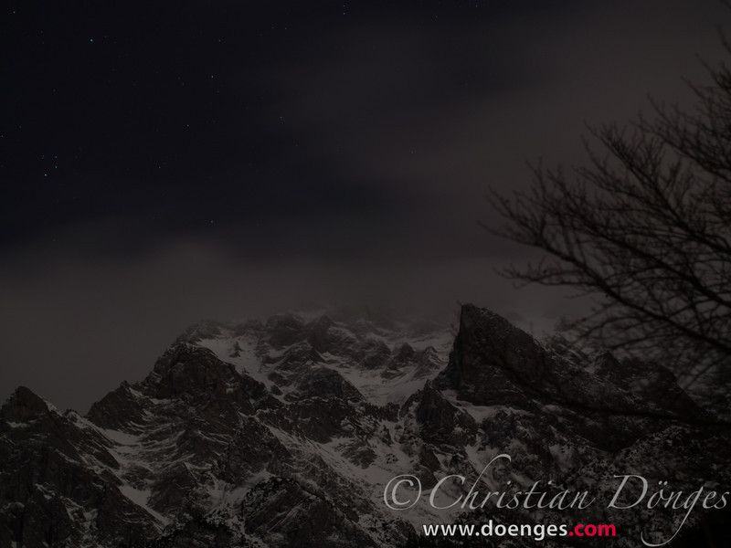 Berg bei Nacht