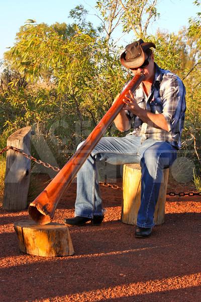 Uluru 20111010 090 Sounds of Silence Dinner - Digeredoo Player
