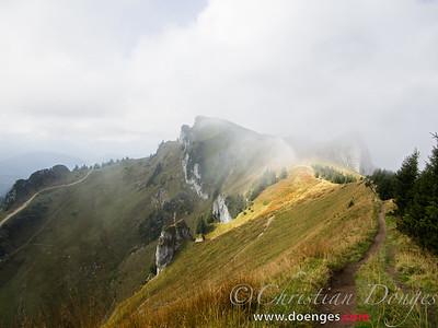 Blick auf den Latschenkopf und Vorderen Kirchstein