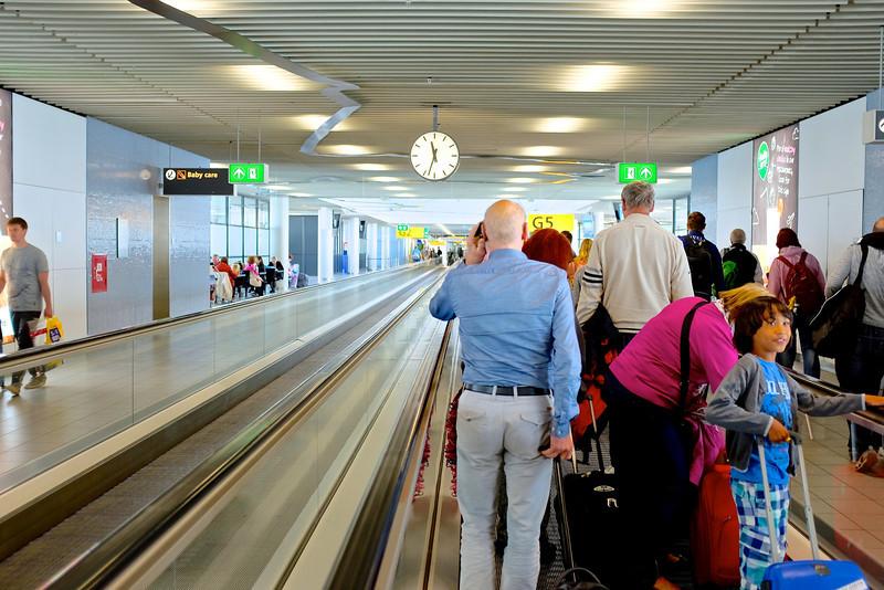 Leading Lines at Schiphol - Schiphol, Netherlands