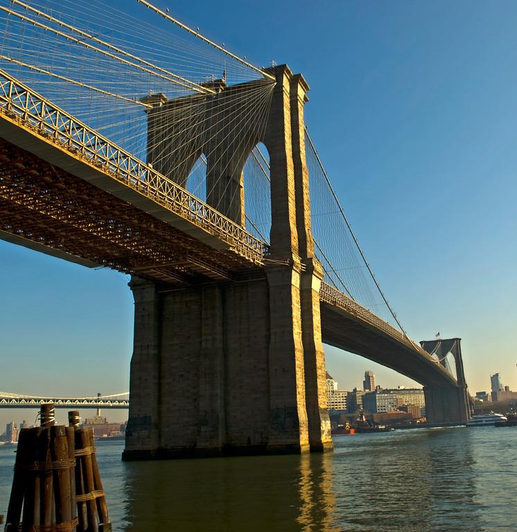 Brooklyn Bridge, East River, NYC