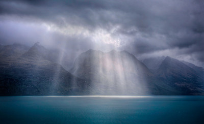 The Heavenly LightLake Wakatipu, New Zealand