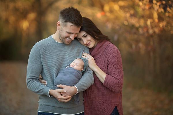 Nashville & Clarksville Outdoor Newborn Photographer