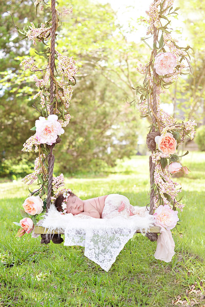 Outdoor newborn photographer swing<br /> Houma/ Thibodaux newborn baby  photographer