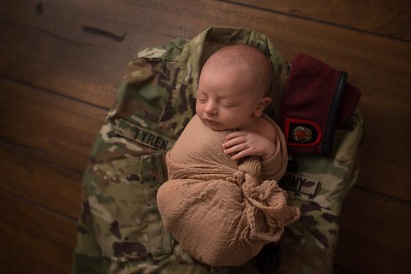 Nashville & Clarksville Newborn Photographer