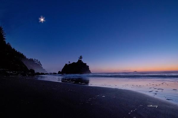 Moon Bright Klamath, CA Beach
