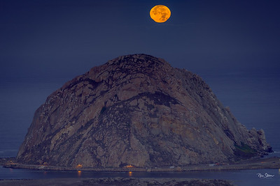 Supermoon Over Morro Rock